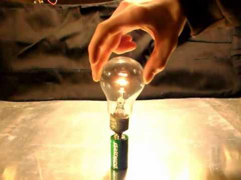 Как сделать так чтобы лампочка горела