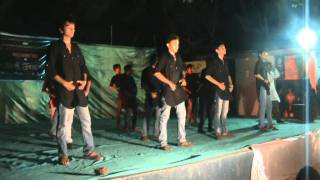COLLEGE FUNNY DANCE(saurastra Group In Dr.s&s.s Ghandhy College,surat).MPG
