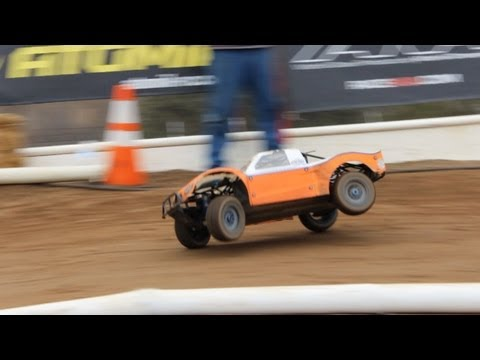 Large-Scale RC-RACING! HPI Baja & Losi 5ive T