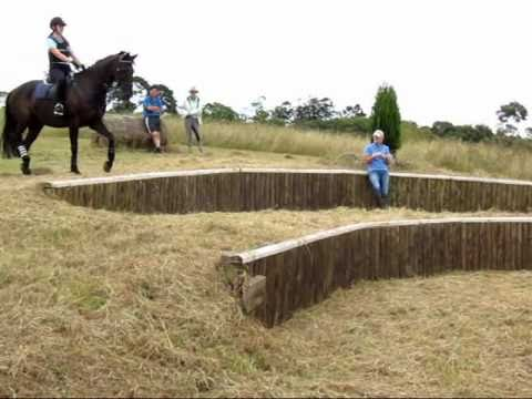 XC Riding down the Steps – Lucinda Green training clinic