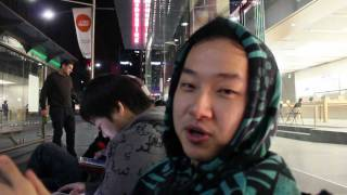 iPhone 4S Launch LINEUP @ Sydney Apple Store Lining Up Siri Review  VLOG#1