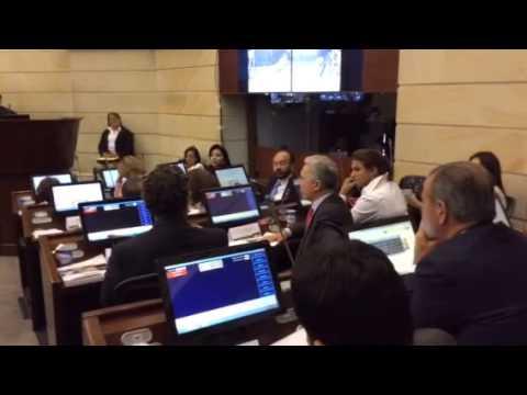 Intervención Álvaro Uribe en el Senado - 1