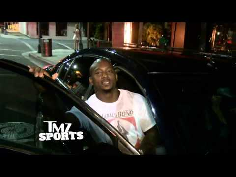 Willis Mcgahee -- Fart-sniffing Has Health Benefits? I'll Self-medicate! video
