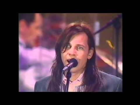 Мумий Тролль - Когда ты уйдёшь (Live @ Гостинный Двор 2000)