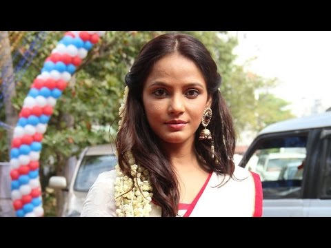 Neetu Chandra grateful  Shaji Kailas