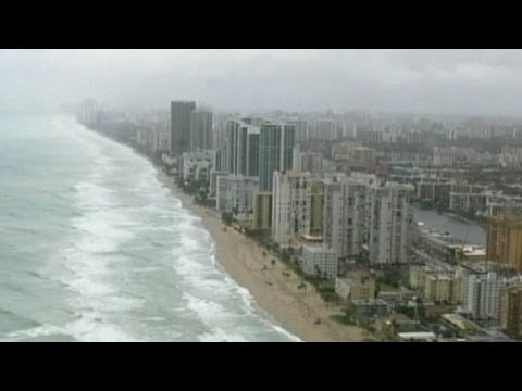 Hurricane Sandy's Intensity Fluctuates, Threatens East Coast States