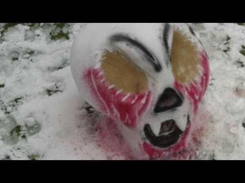 Hellmouth Vlog 02.09.14 [Day 1187] - Spooky Snow Sculptures!!!