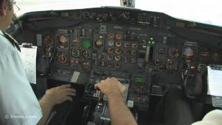 Cockpit video - Boeing 737-200 - takeoff from Merida, Mexico