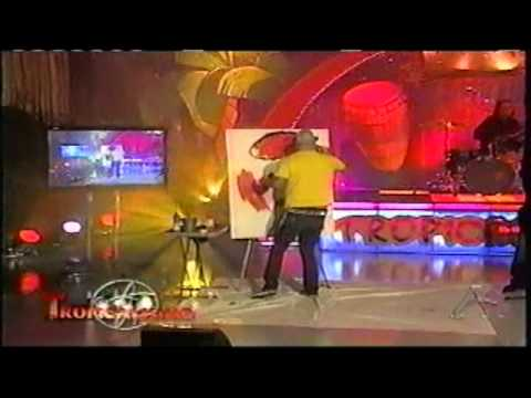 Floyd the Rock Artist ( Motion Art and Pop Rock) with Sociedad Rebelde on Tropicalismo, America Teve