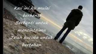 Download Lagu DYGTA - Cinta Aku Menyerah (Lyrics) Gratis STAFABAND