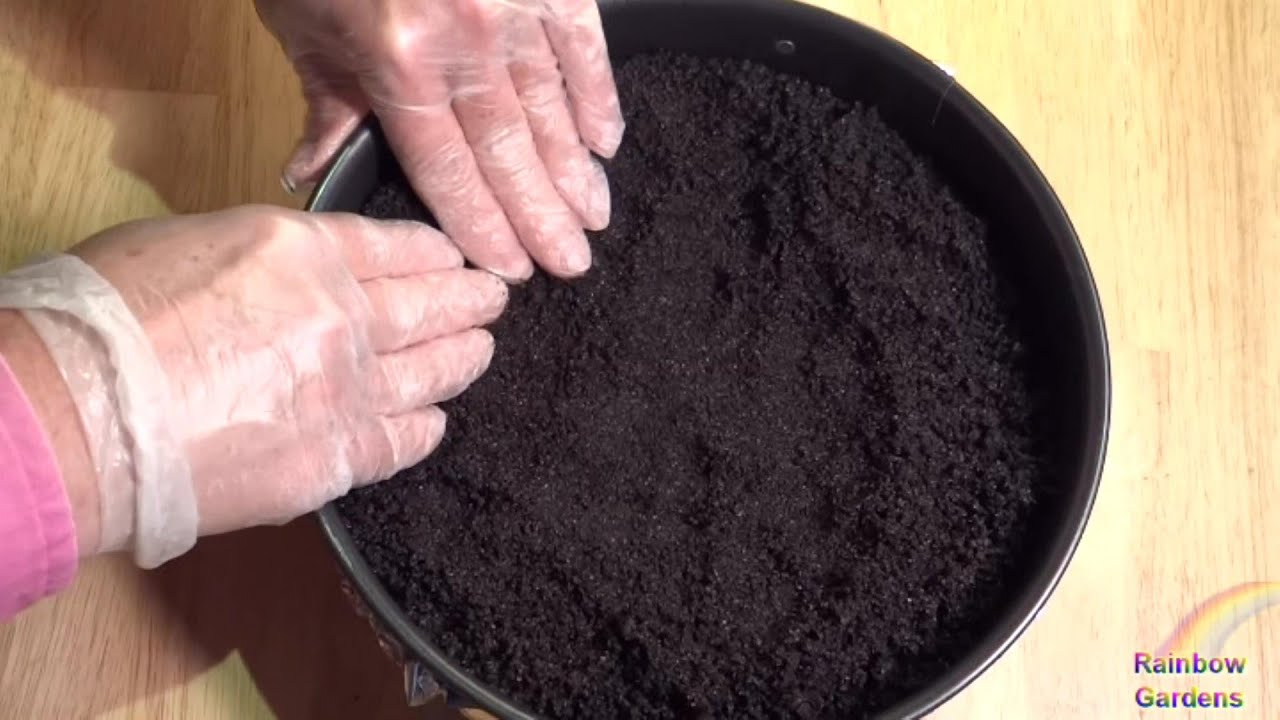 How to Make a Chocolate Cookie Crumb Crust for a Cheesecake - YouTube