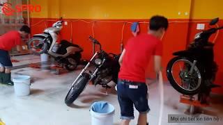 Quy trình rửa xe máy chuyên nghiệp tại Garage Huy Quang