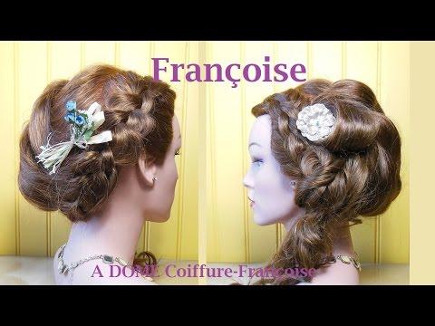 Coiffure bouclée, tressée/nattée,-Curly, braided hairstyle-Peinado trenzado con bucles/rizos