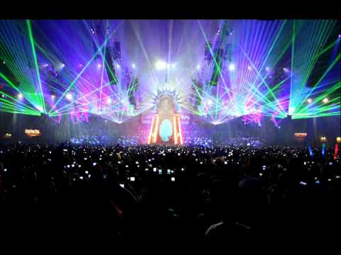 Headhunterz - From Within (Live at Qlimax 2010)
