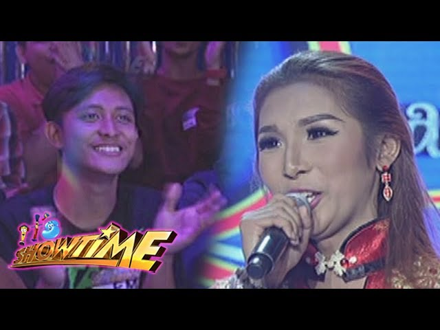 It's Showtime: Miss Q & A Contestant Solen gets support from her boyfriend