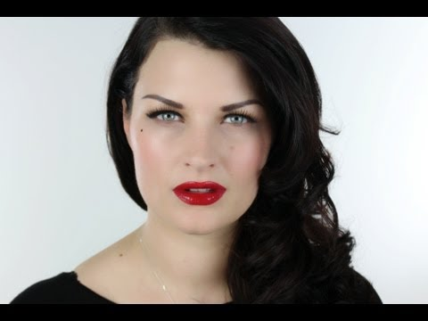 EASY DITA VON TEESE GLAMOUR MAKE-UP