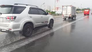 Lạ đời 14h Mùng 3 tết Cần Thơ mưa tầm tả - Đụng xe trên cầu Hưng lợi ll CS Cần Thơ HG
