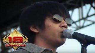 D`Masiv - Cinta Ini Membunuhku Live Konser Surabaya 2 Juli 2011