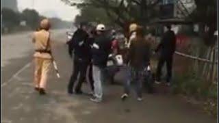 Thanh niên lai bạn gái đánh võng trêu CSGT bị bắt hô câu thần chú và cái kết