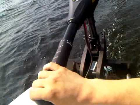 Inflatable navigator III 400 boat with 40lb minn kota endura motor