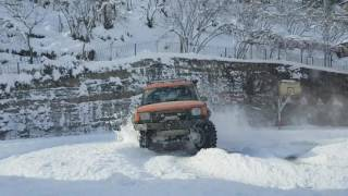 Land Rover Discovery V8 SNOW DONUTS