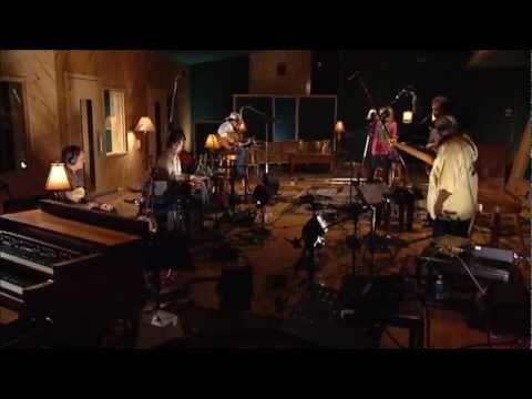 Alison Krauss & Brad Paisley  -  Whiskey Lullaby