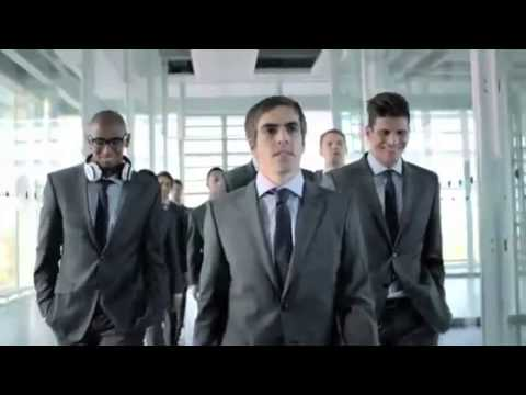 Kleine behinderte Lufthansa Synchro [Full HD]
