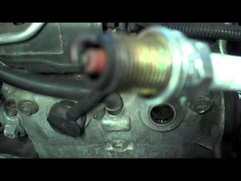 Замена свечей и масляного фильтра Subaru Forester 2.0 (Субару Форестер) видео!