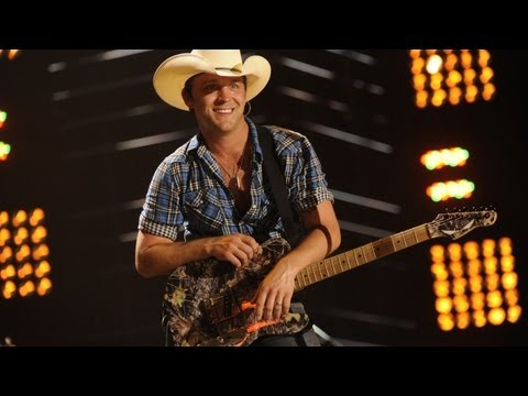 Justin Moore - Dirt Road Kid (LIve) Video