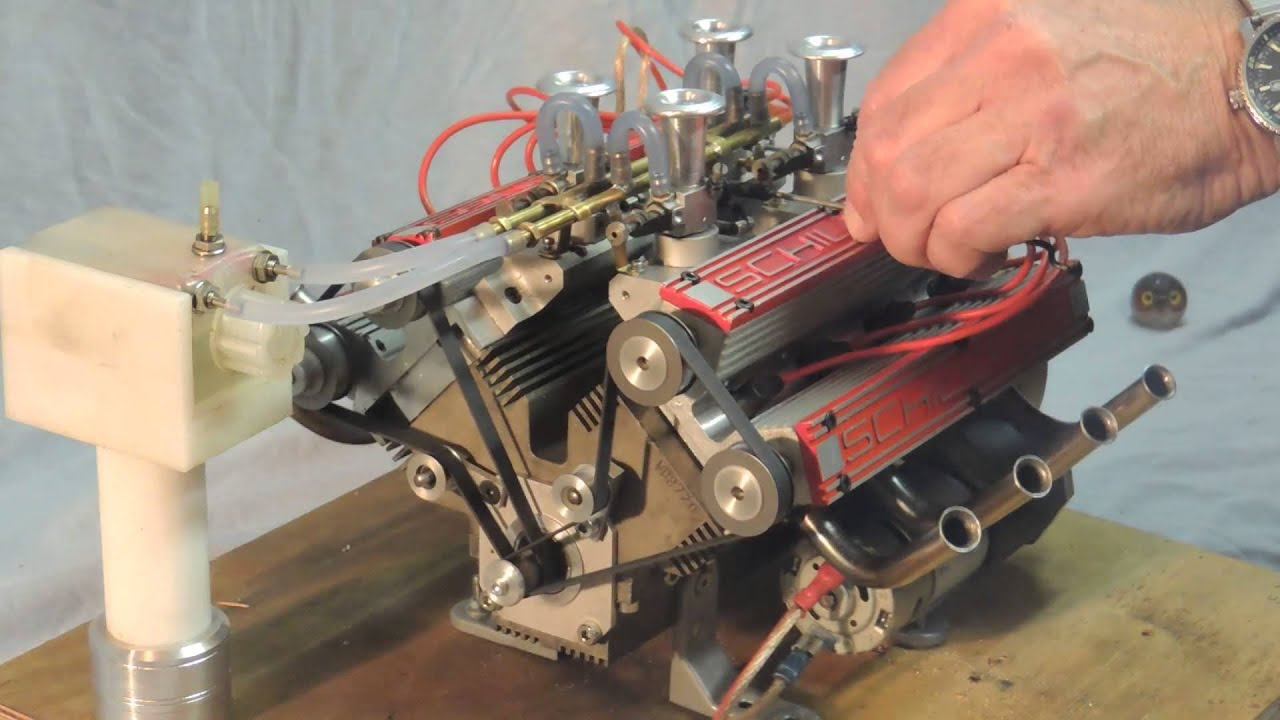 Schillings V8 80cc model engine running with great sound ...