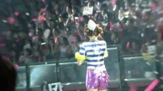 "[fancam] 110910 Forever @ The 2nd tour (Taiwan) 少女時代二巡 Sunny Jessica""s crying face"