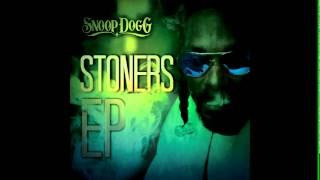 Watch Snoop Dogg Breathe It In video