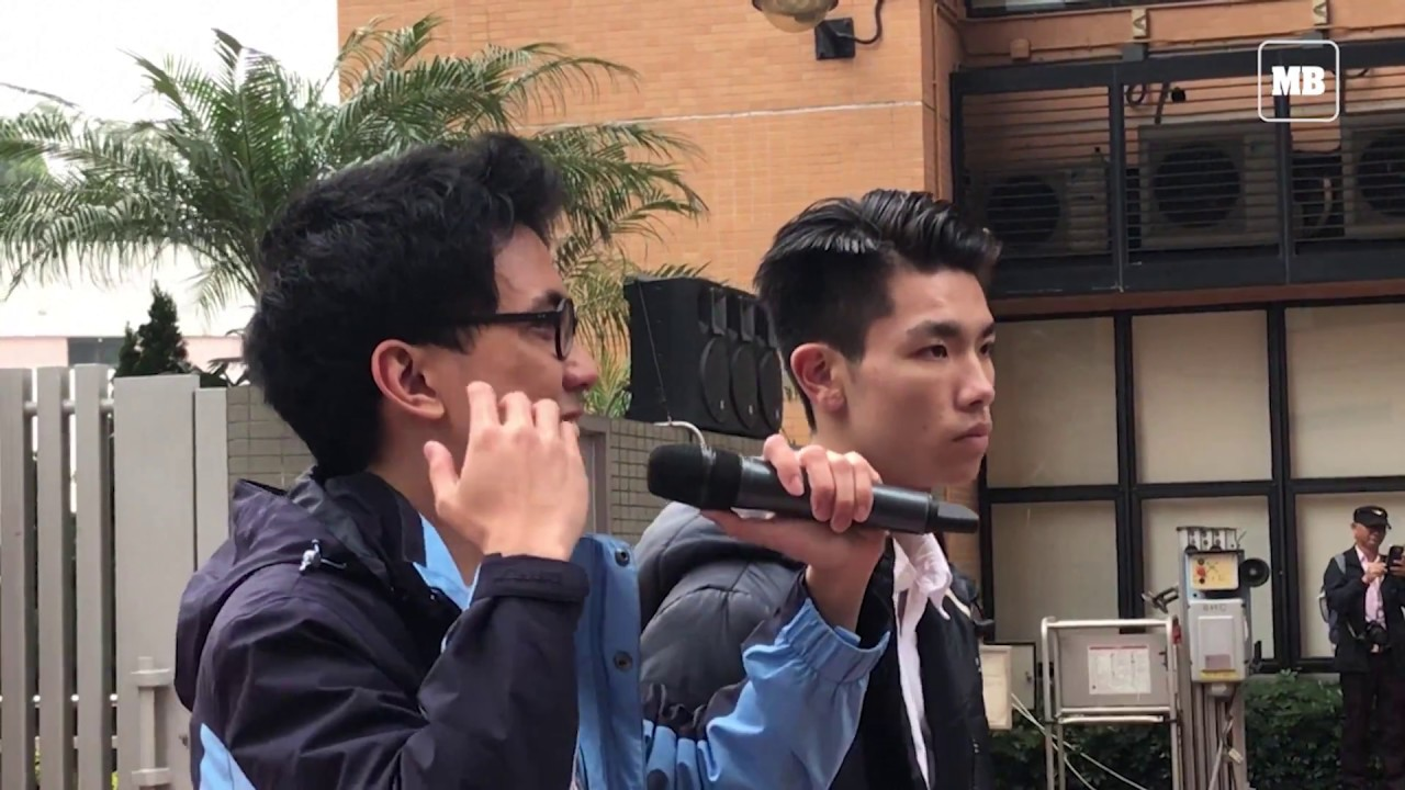 Students protest in Hong Kong over compulsory Mandarin