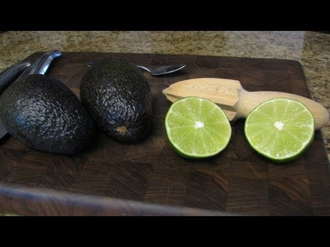 Cooking Tip #5 How to Prepare an Avocado for Dips - Lynn's Recipes