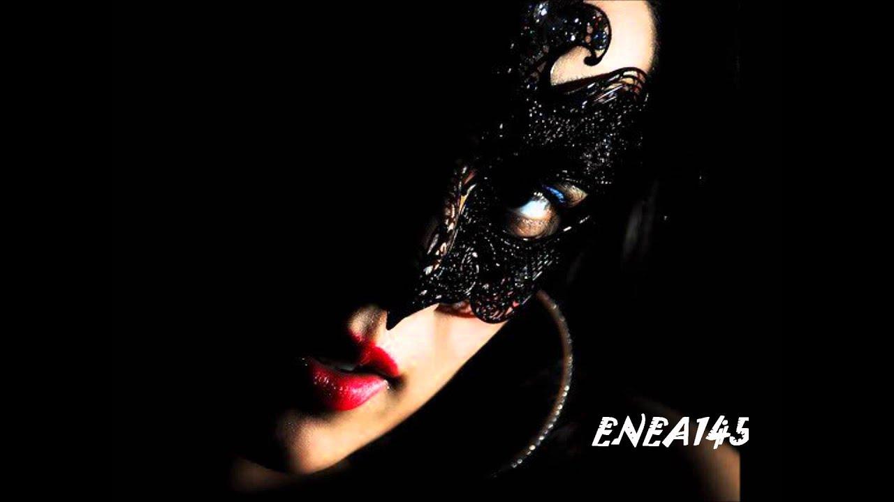 Женщина в маске фото на аву