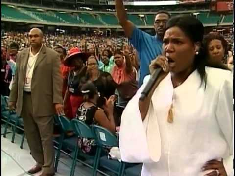 Prophetess Juanita Bynum The Power Of The Glory Cloud 2006 1