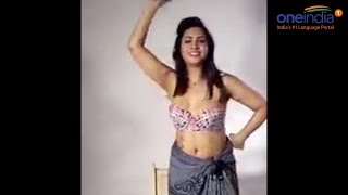 Arshi Khan strips for the Indian fans, Watch Video