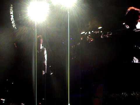 U2 360 Tour, Barcelona 2/7/2009, Party Girl