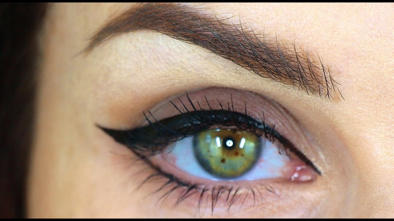 How To Put Cats Eye Eyeliner