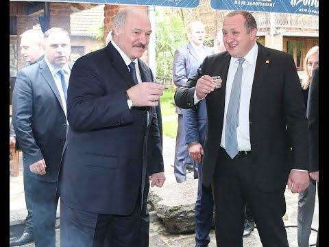 Александр Лукашенко в Батуми попробовал домашнюю чурчхелу и местный самогон