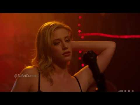 Riverdale 2×08 Betty Strips| Varchie duet| Mad World