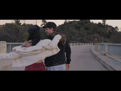 Claudia Alende - Spotlight (Official Video)