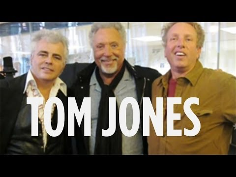 Tom Jones Drinkin' Wine Spo-Dee-O-Dee Impromptu Live Performance on SIRIUS XM