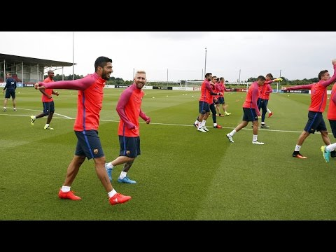 FC Barcelona's pre-season 2016/17: first training session at St.George's Park