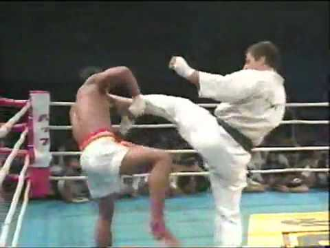 Andy Hug vs Changphuak Kiatsongrit.flv Image 1