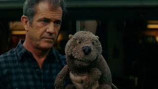 The Beaver - Review: The Beaver (with official clip) - Stupid For Movies