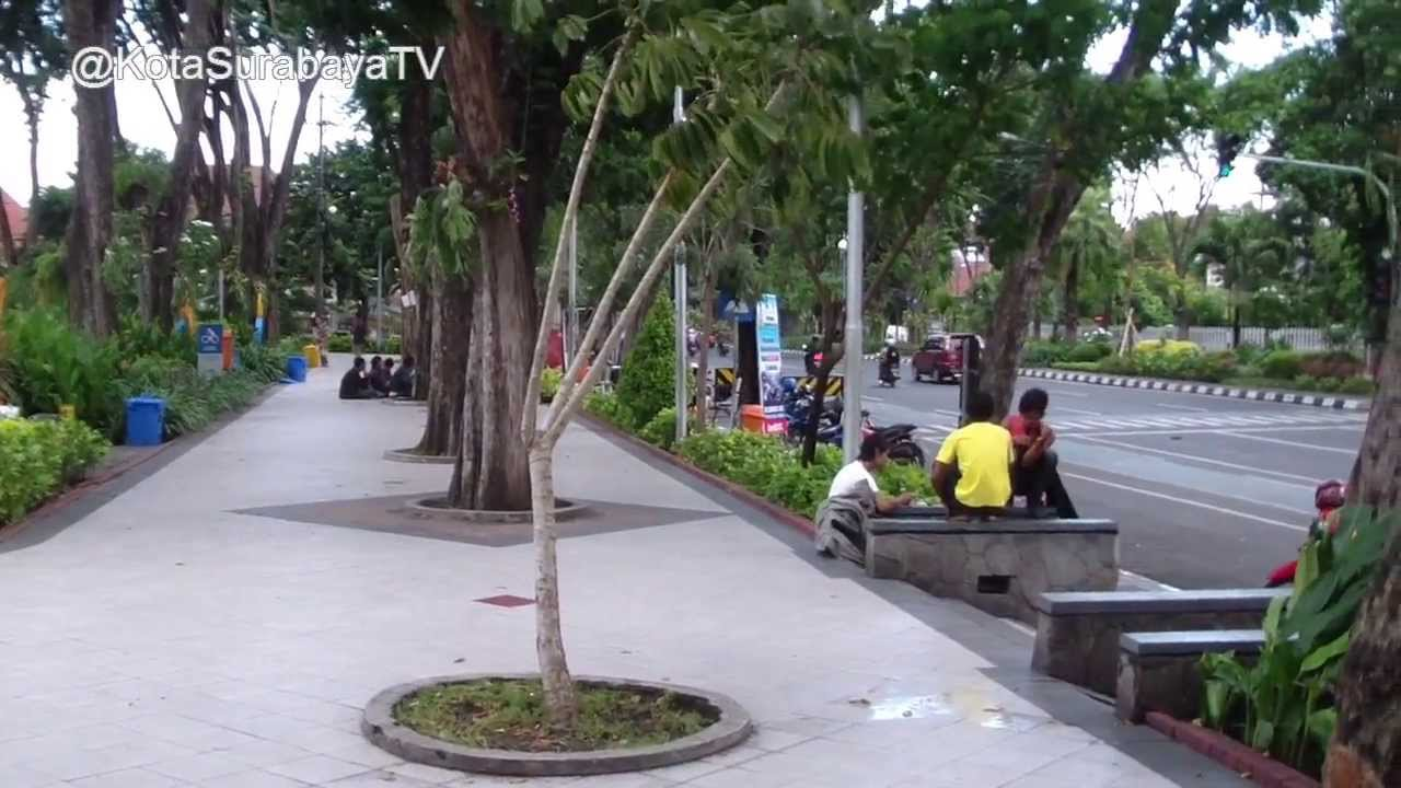Taman Bungkul Kota Surabaya - YouTube