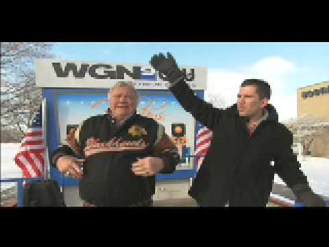 WGN's Pat Tomasulo vs Blackhawk Legend Bobby Hull Video