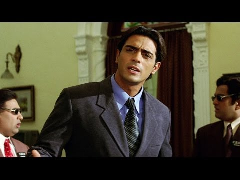 Arjun Rampal Acting As Geek - Dil Hai Tumhara Scene