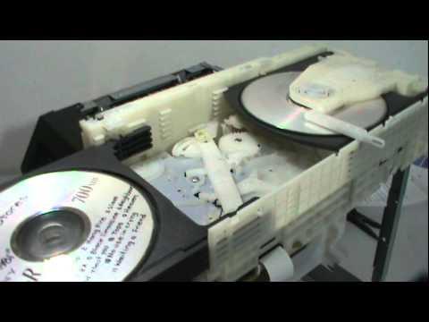 Panasonic SA-AK270 Mecanismo CRS1 funcionando.